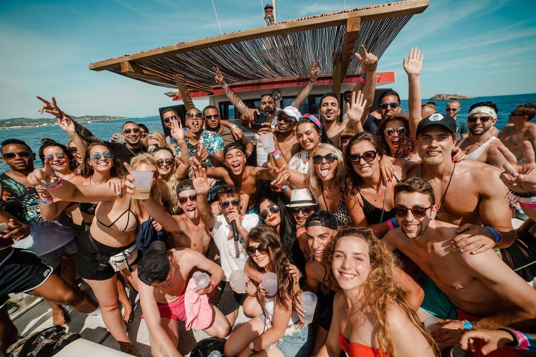 Fiesta en barco Ibiza